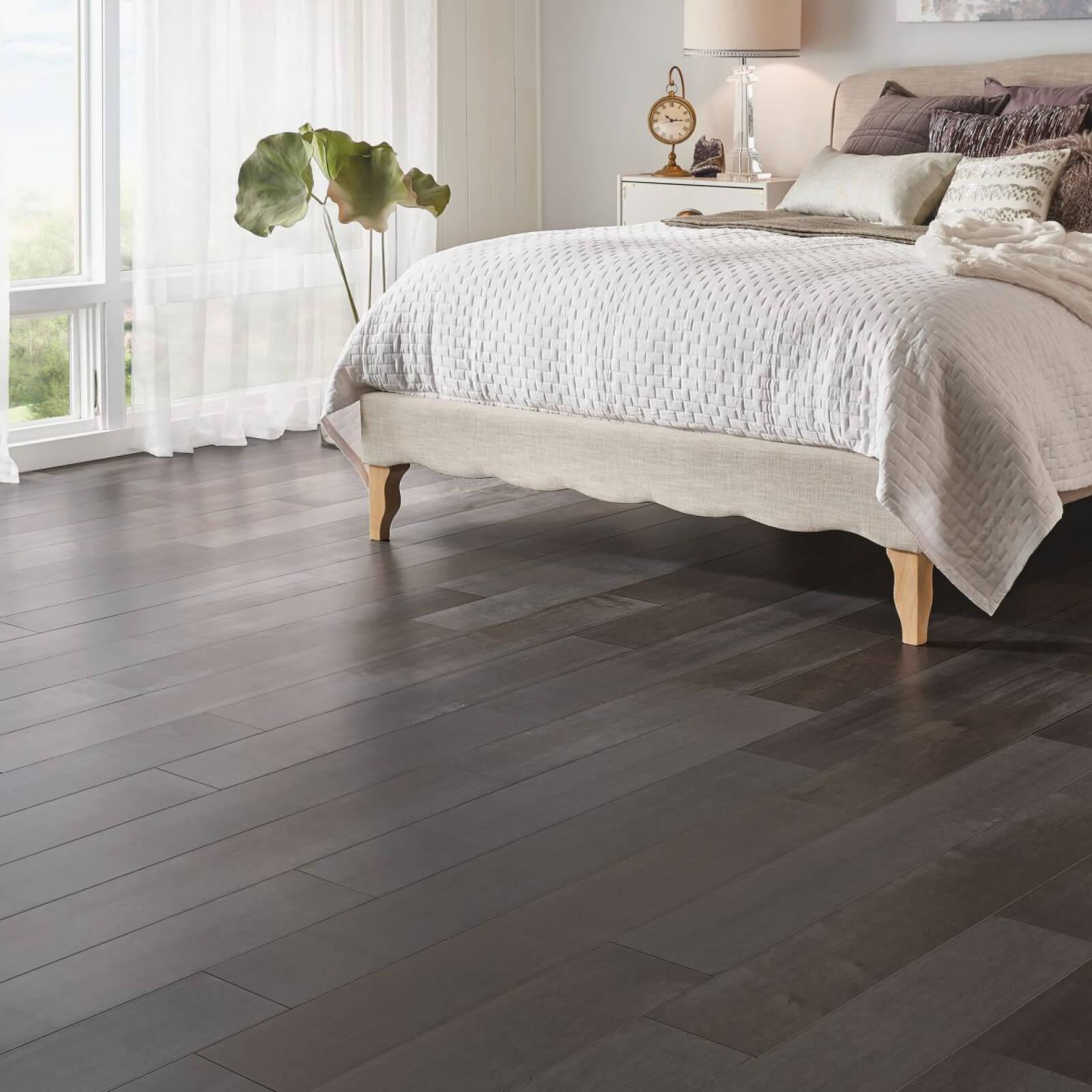 Solid or Engineered Hardwood | Signature Flooring, Inc