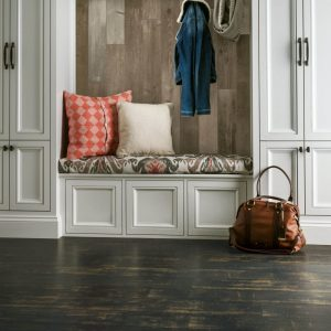 Laminate Entryway | Signature Flooring, Inc