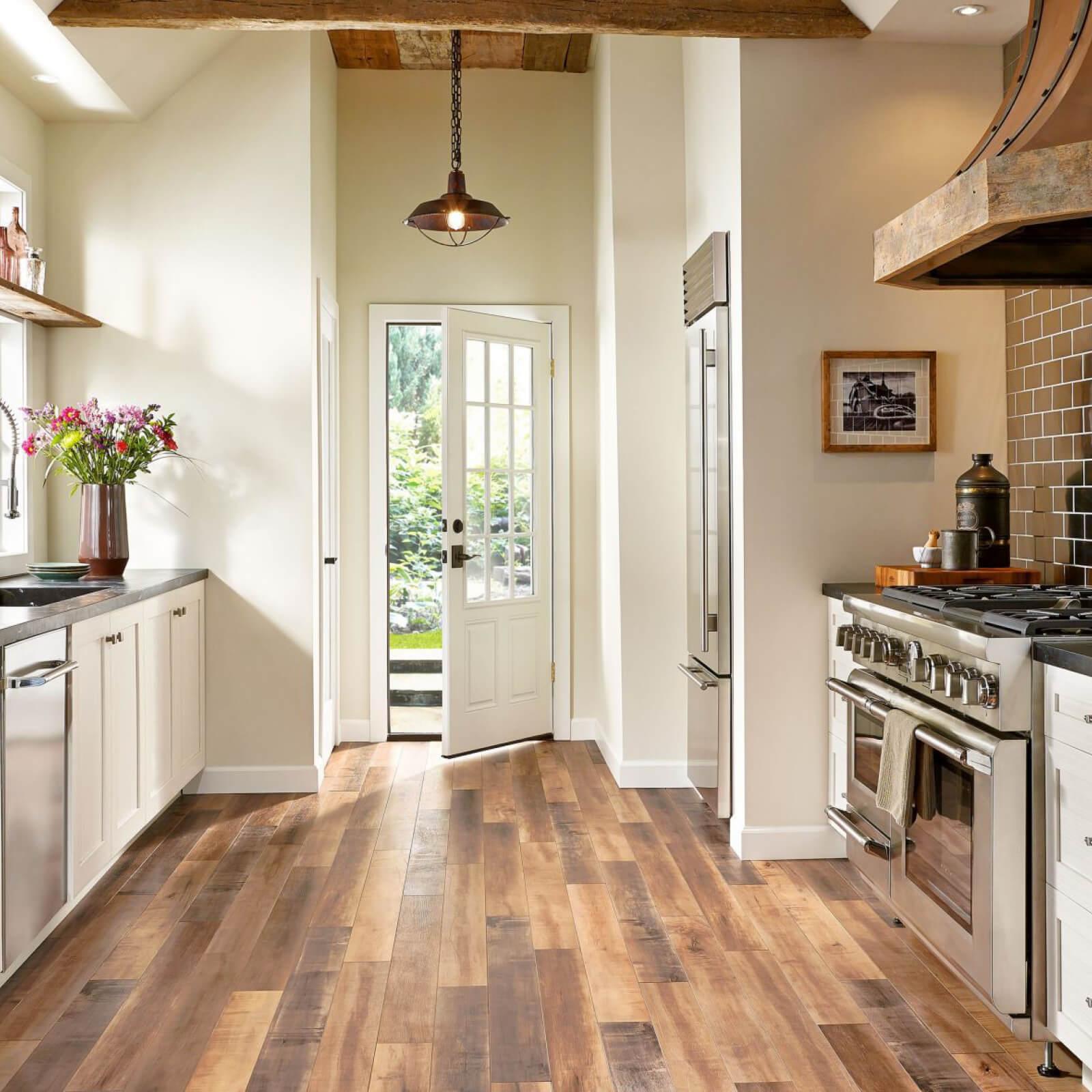 Laminate Kitchen | Signature Flooring, Inc